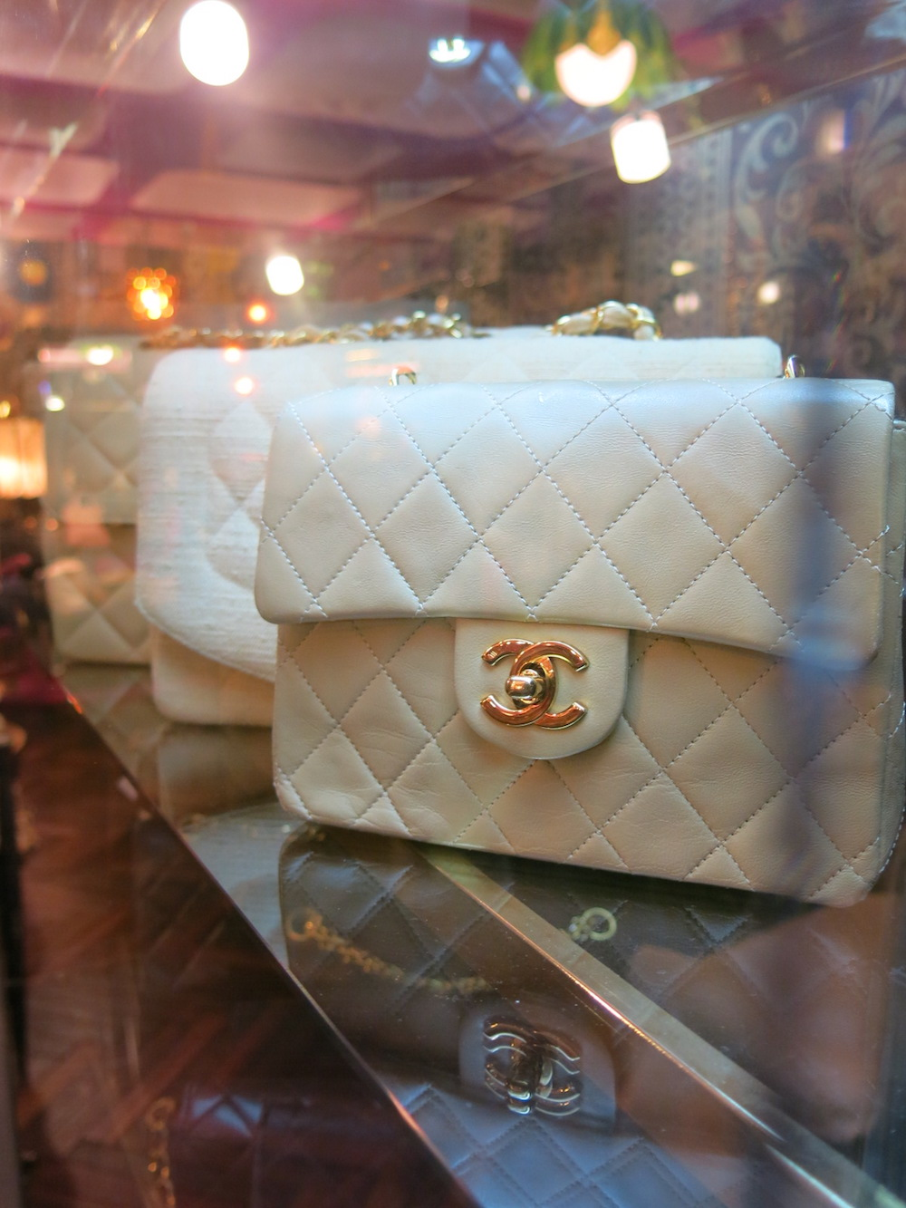 5a1fa9891552 Qoo: Edging out the others as Tokyo's best vintage luxury boutique ...