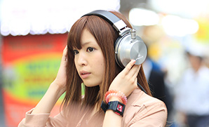 VACUUM TUBE HEADPHONES
